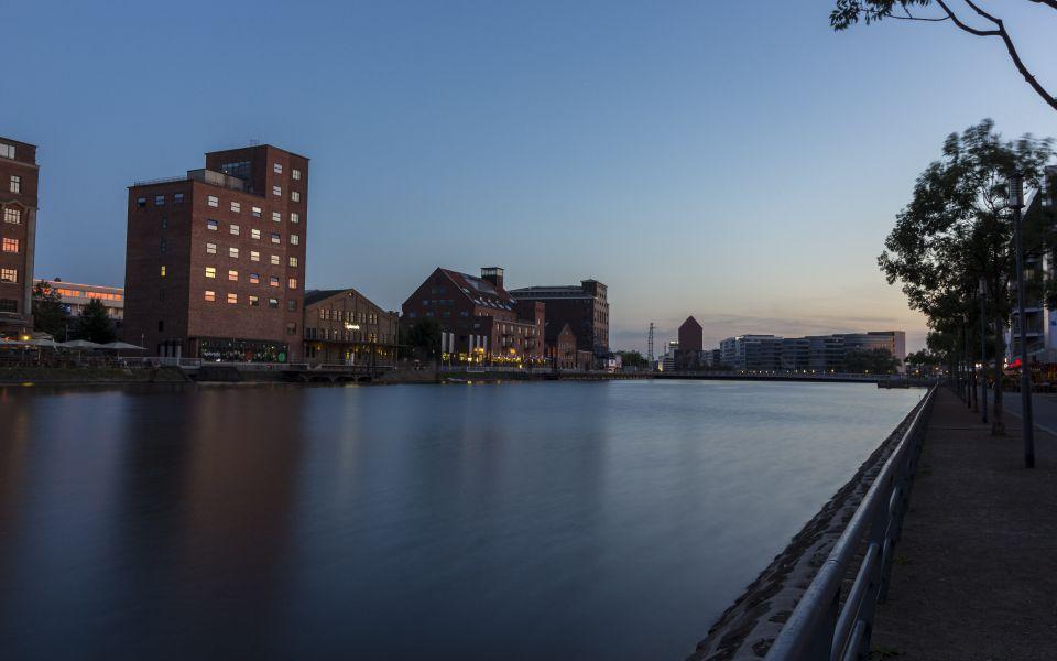Hintergrundbild Abendstimmung Duisburg Innenhafen