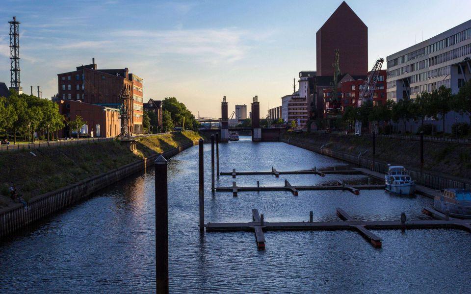 Hintergrundbild Schwanentorbrücke im Innenhafen