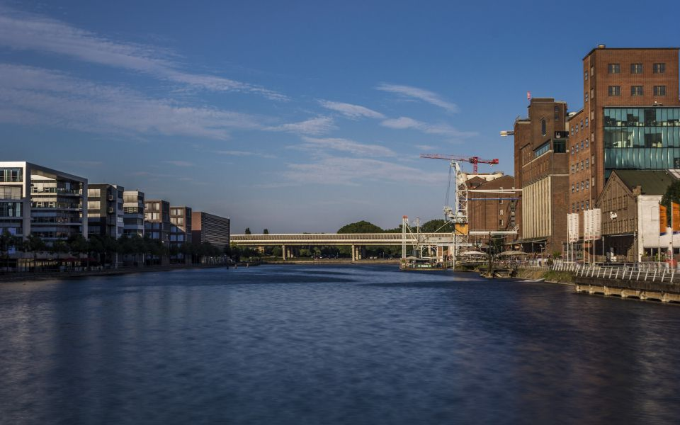Hintergrundbild Sommernachmittag Duisburg Innenhafen