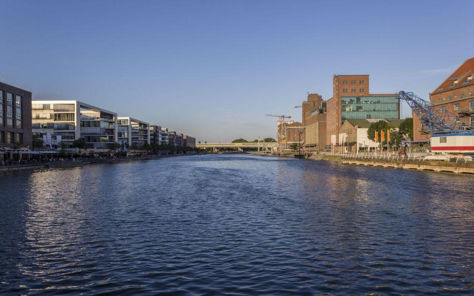 Hintergrundbild Sommernachmittag im Innenhafen