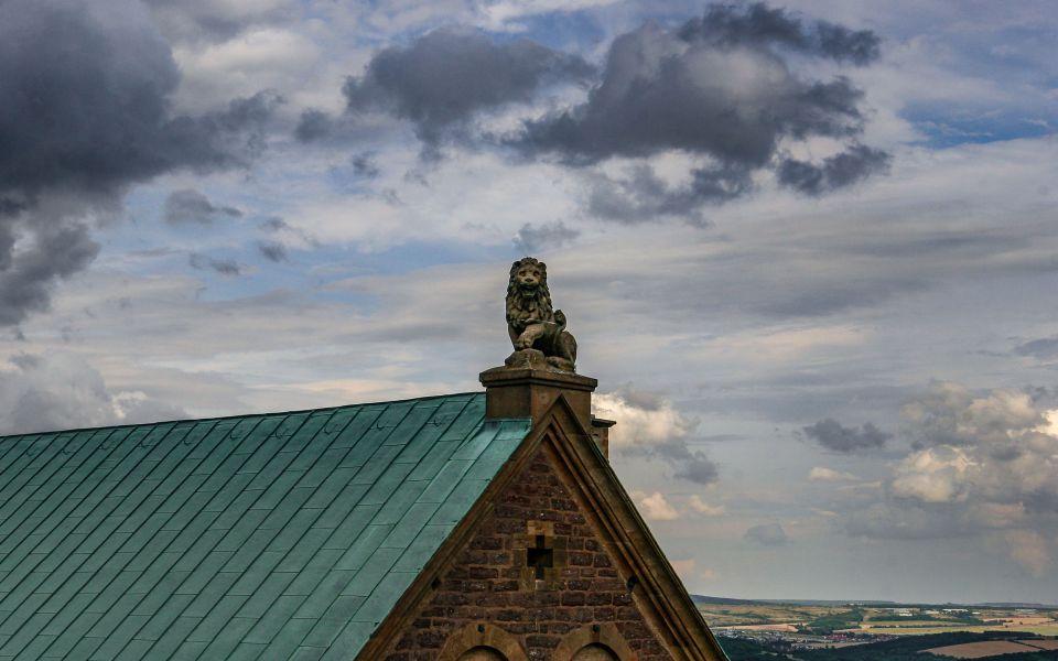 Hintergrundbild Blick vom Südturm zum Palas