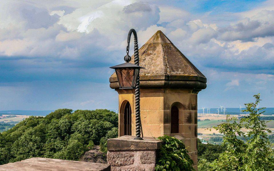 Hintergrundbild Türmchen mit Laterne