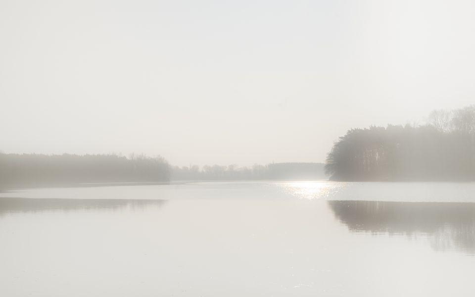 Hintergrundbild Nebel am Hullerner Stausee