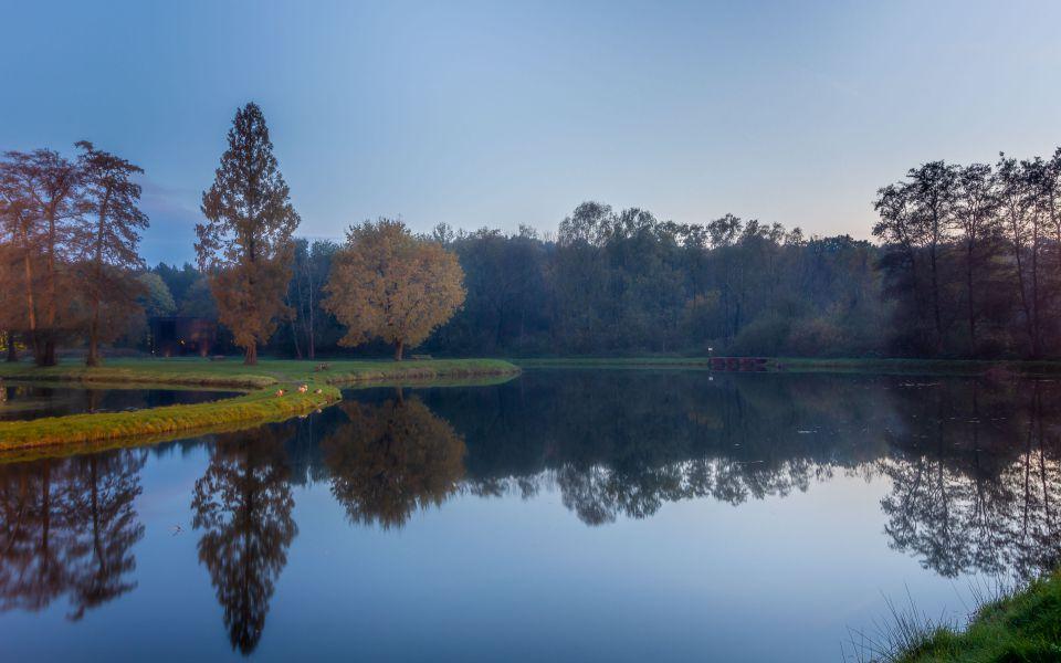 Hintergrundbild Stille im Schlosspark Raesfeld