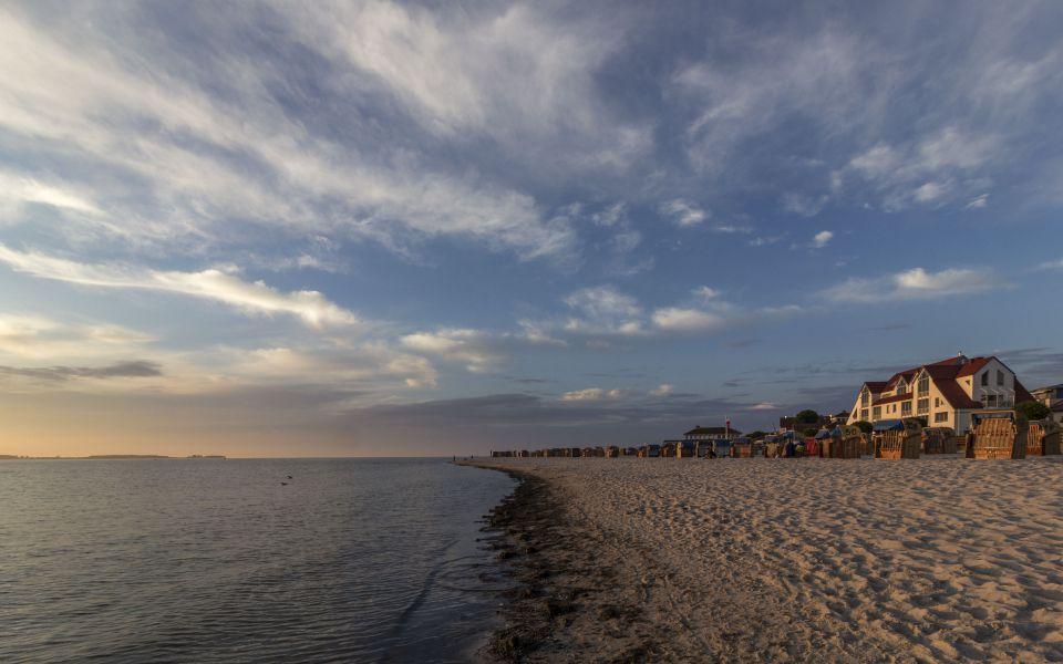 Hintergrundbild - Abends am Strand von Laboe