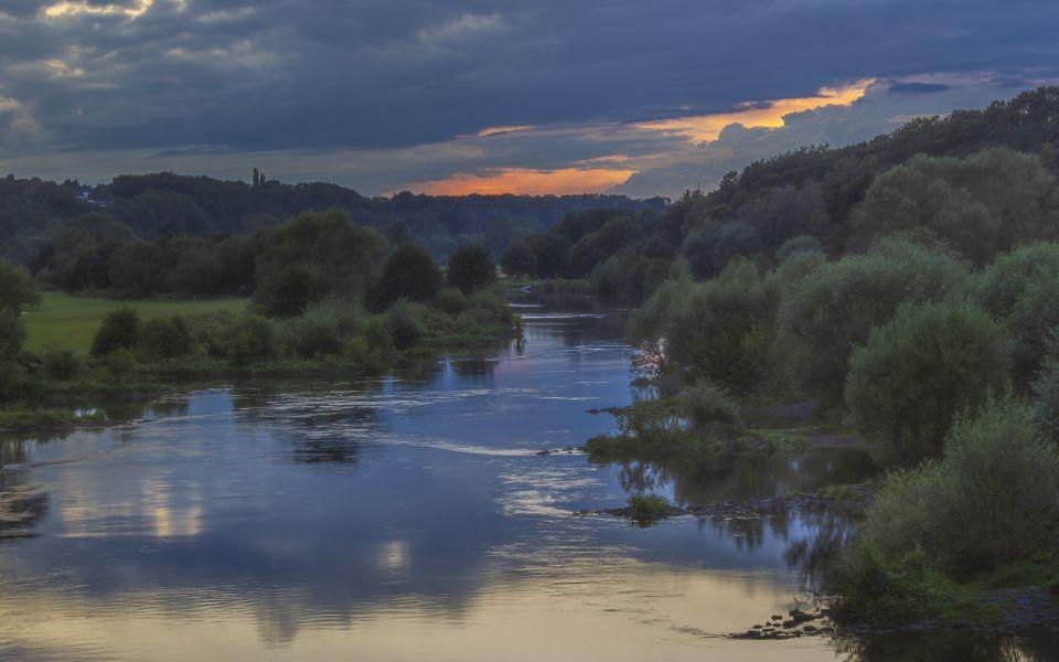 Hintergrundbild - Abendstimmung an der Ruhr