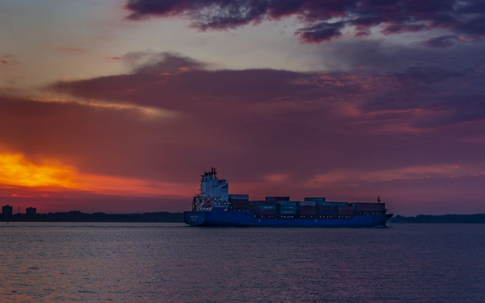 Hintergrundbild - Containerschiff Wybelsum