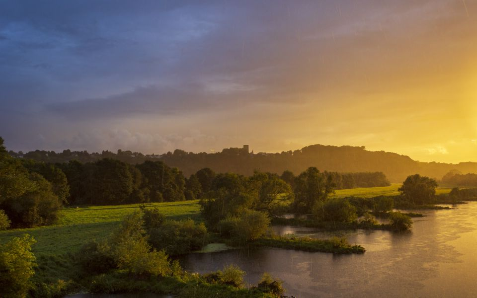 Hintergrundbild - Farbspiele am Ruhrufer