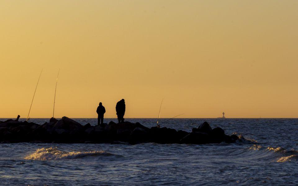 Hintergrundbild Geduldige Angler