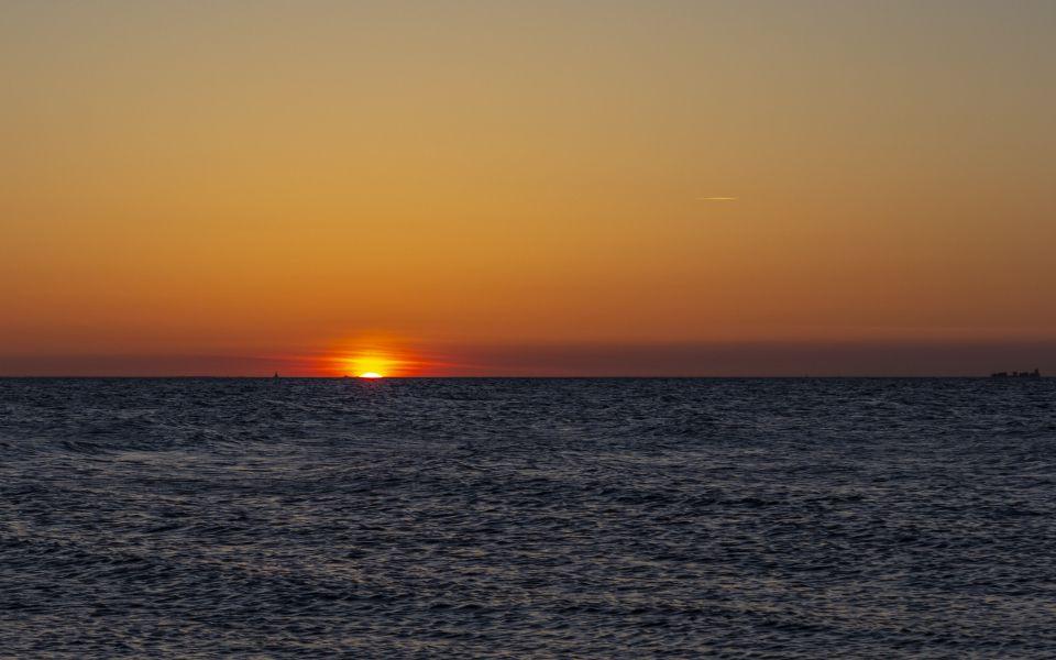 Hintergrundbild Sonnenuntergang an der Ostsee