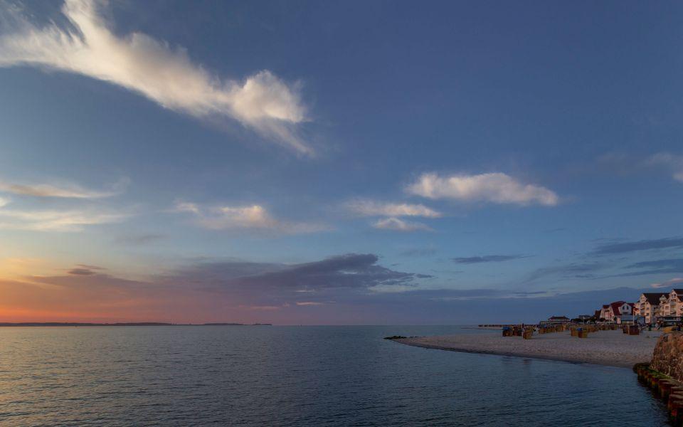 Hintergrundbild - Warten auf den Sonnenuntergang