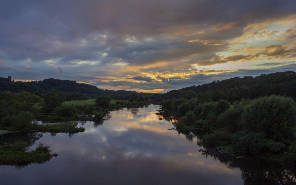 Hintergrundbild - Wunderbarer Abend an der Ruhr