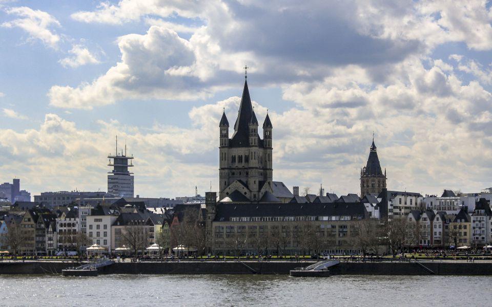 Hintergrundbild - Altstadt und Groß St Martin