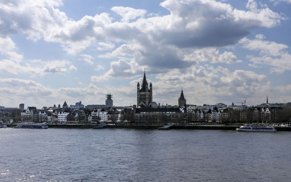 Hintergrundbild - Altstadt von Köln