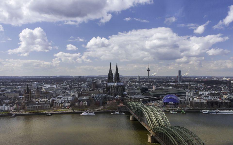 Hintergrundbild - Blick auf Köln