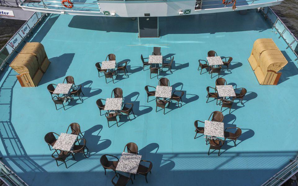 Hintergrundbild - Gästedeck Ausflugsschiff