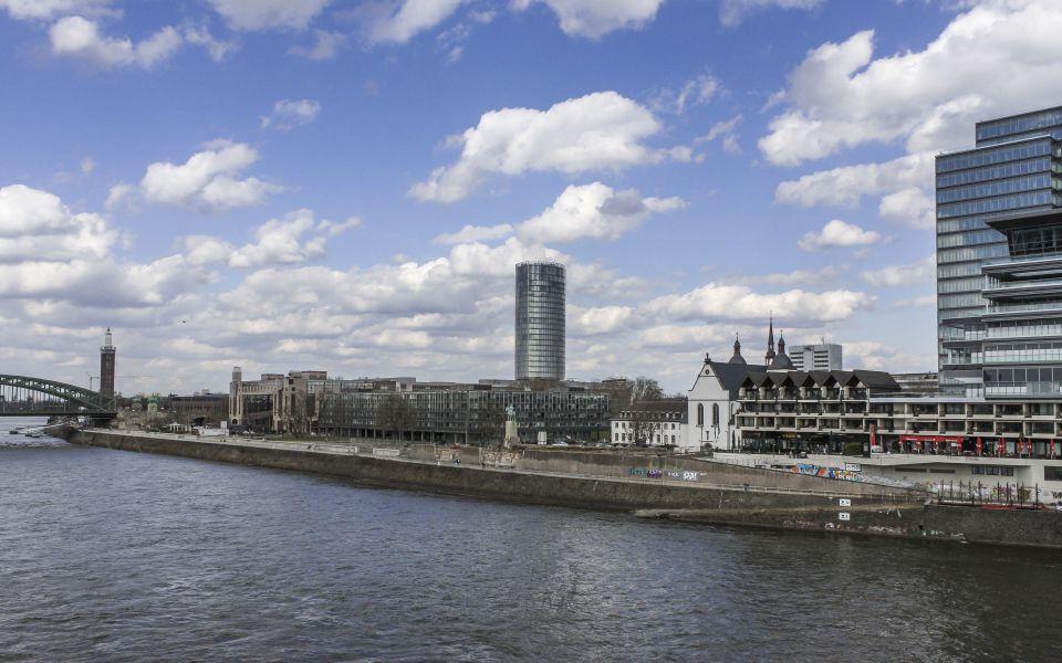 Hintergrundbild - Köln Ostufer