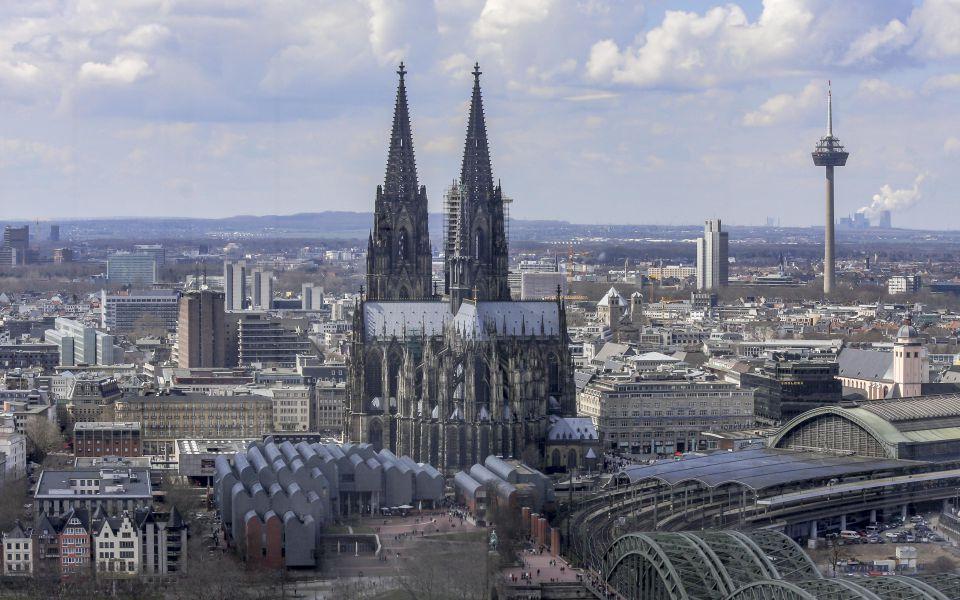 Hintergrundbild - Kölner Dom und Museum Ludwig