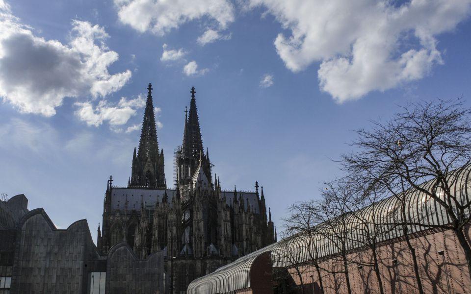 Hintergrundbild - Kölner Dom von Osten