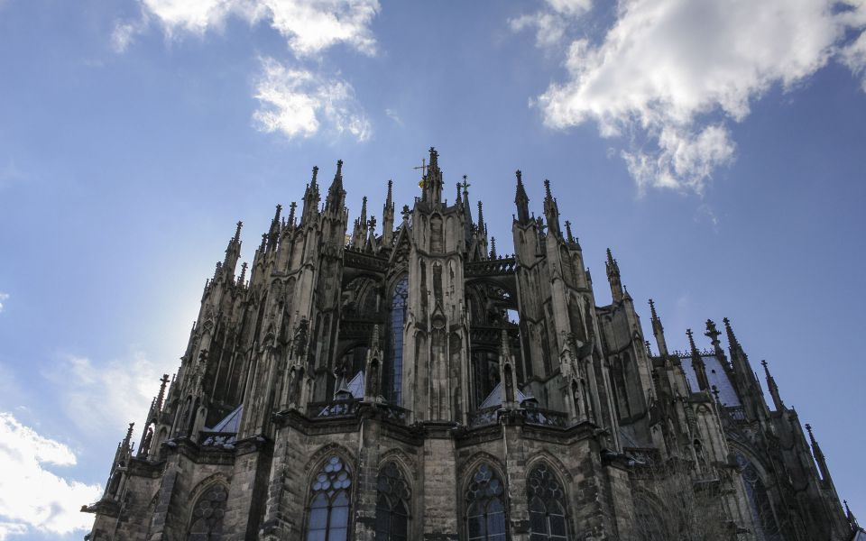 Hintergrundbild - Ostseite Kölner Dom