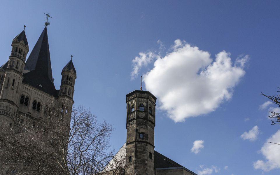 Hintergrundbild - Stapelhaus und Groß Sankt Martin
