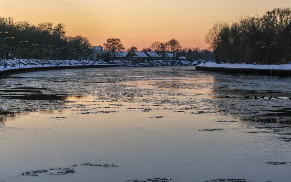 Hintergrundbild - Eis auf dem Wesel Datteln Kanal