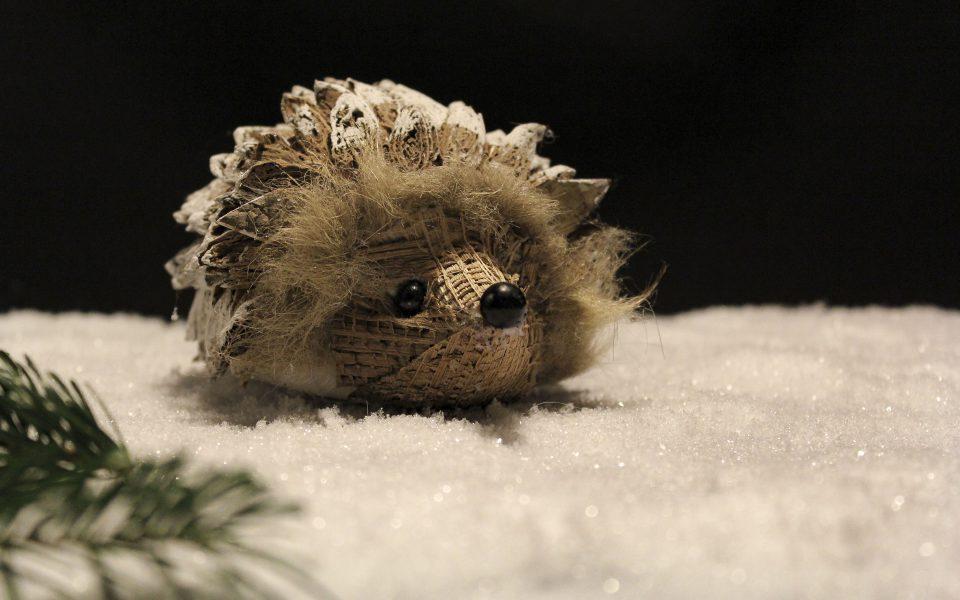 Hintergrundbild - Weihnachten Igel im Schnee