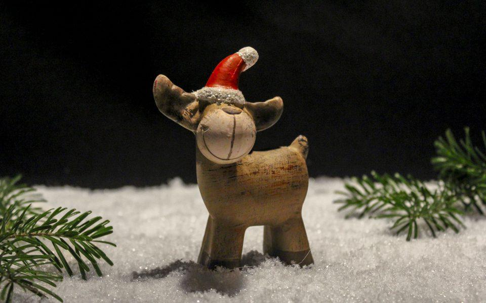 Hintergrundbild - Weihnachten Rentier im Schnee