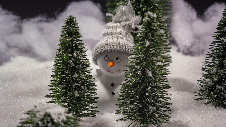 Hintergrundbild Weihnachten Freundlicher Schneemann