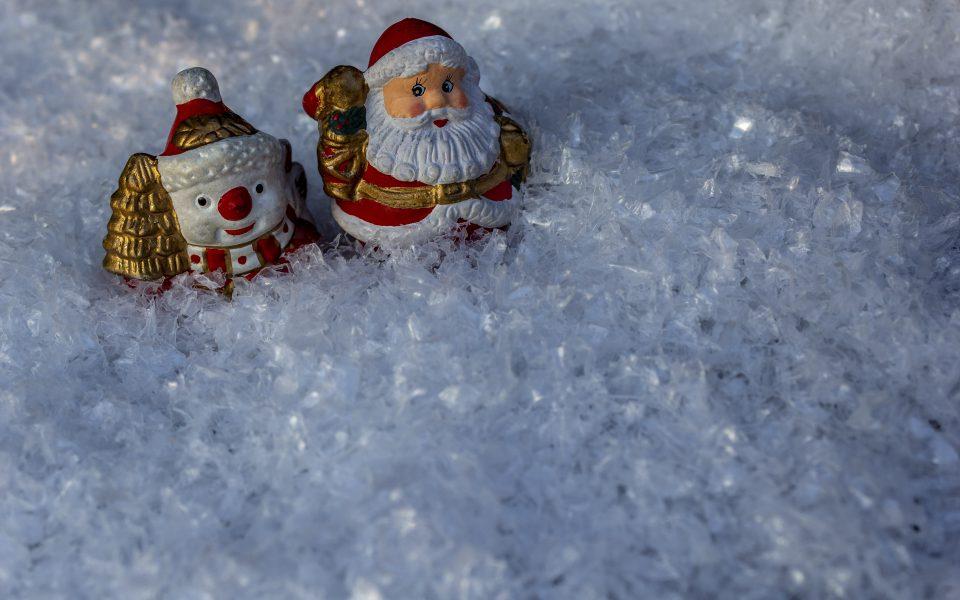 Hintergrundbild - Weihnachten Schneemann und Nikolaus