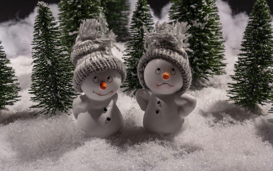 Hintergrundbild - Weihnachten Zwei Schneemänner