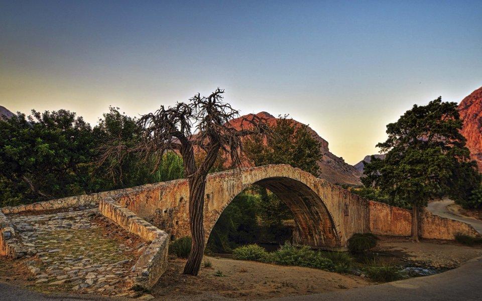 Hintergrundbilder - Venetianische Brücke auf Kreta