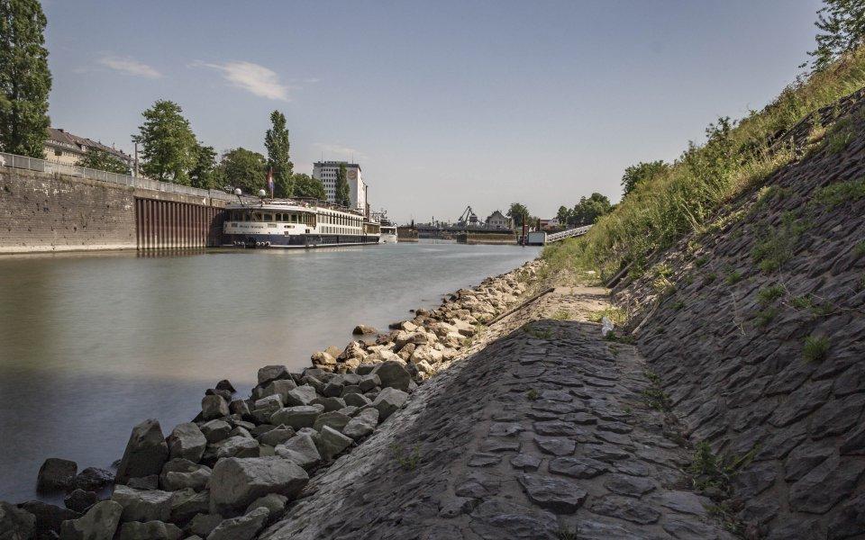 Hintergrundbilder - Blick in den Deutzer Hafen