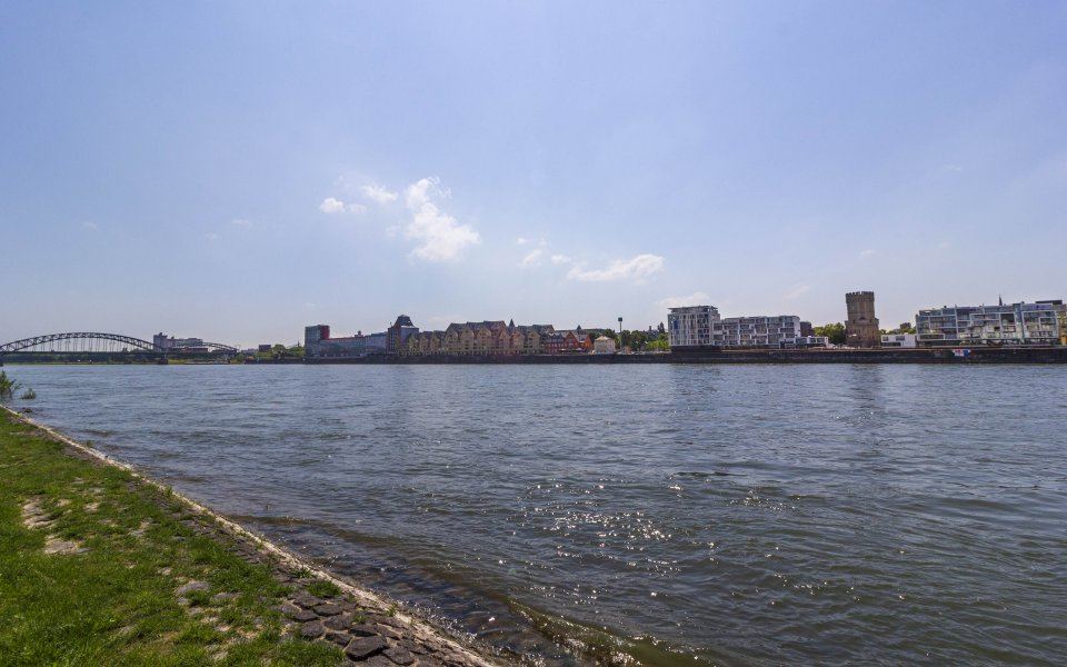 Hintergrundbilder - Blick zum Rheinauhafen