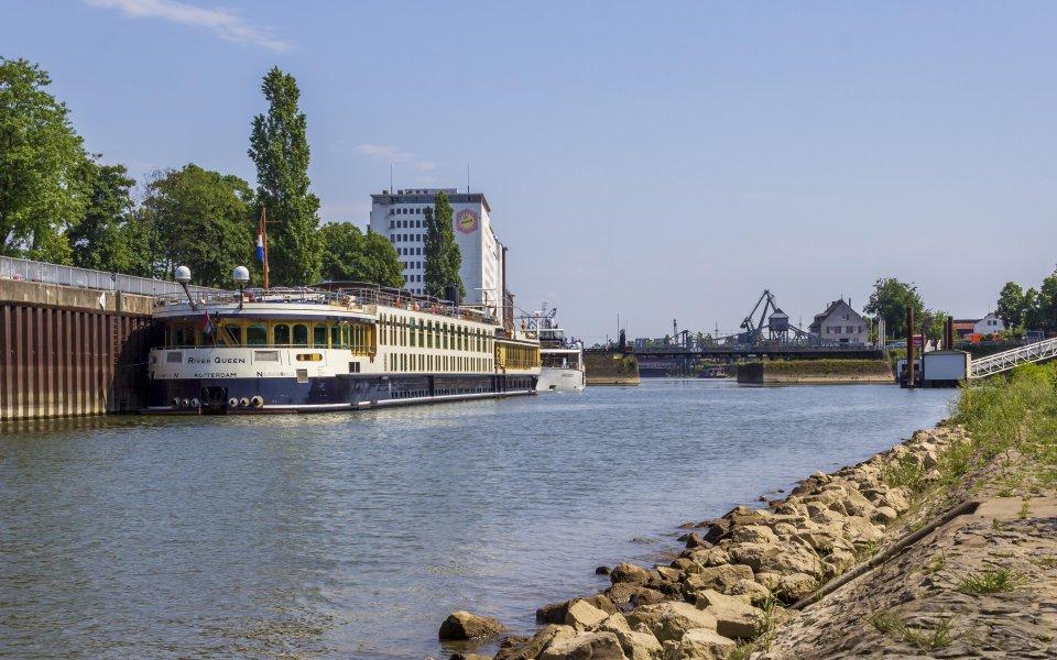 Hintergrundbilder - River Queen im Deutzer Hafen
